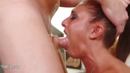 Deepthroar cum in her throat