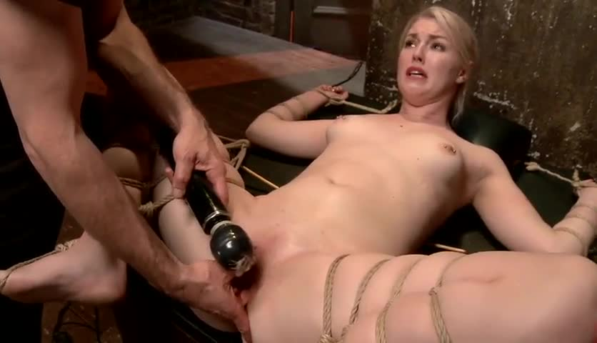 Housewife boob show