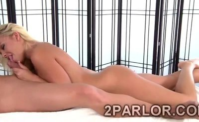 Big stacked blonde sucks huge meatbone during massage session