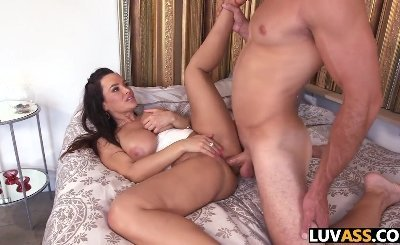 Busty Lisa Ann gets some anal sex