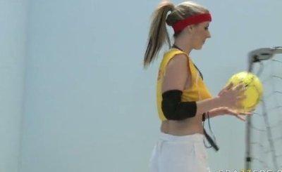Carolyn Reese - Big Tits In Sports