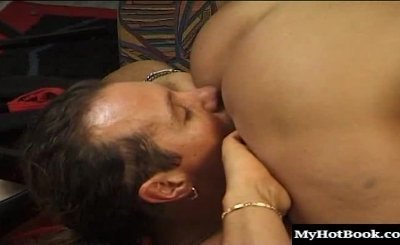 Claudia breaks the ice with her blind date by pulling him down onto