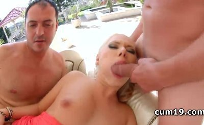 Diana Dali gives deep throat while cunt banged