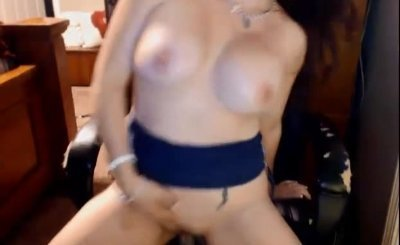 Giant Breasts Mature Cougar Cam Show