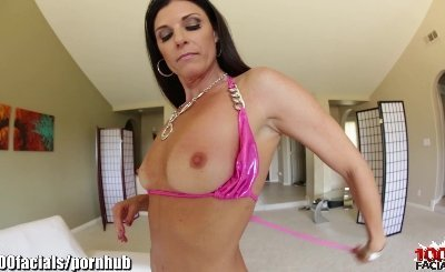 India Summer's face is full of dropping cum!