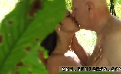 Keni styles blowjob Vivien meets Hugo in the park and can't fight back