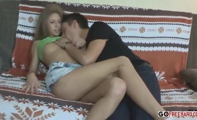 Long Haired Blonde Girls Gets Into Foursome Action