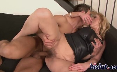Mature blonde has her hairy cunt plowed