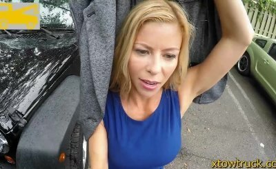 Mature incest - milf offers handjob to a cuisine driver