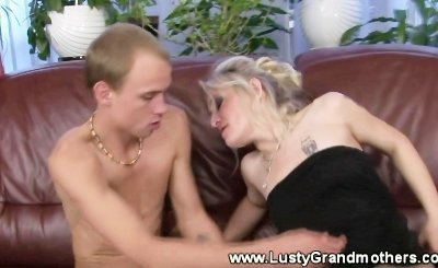 Old granny GILF mature gives head