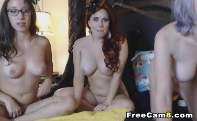 Pretty Ladies having Trio Pussy Play