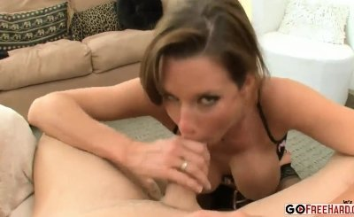 Queen Veronica Avluv