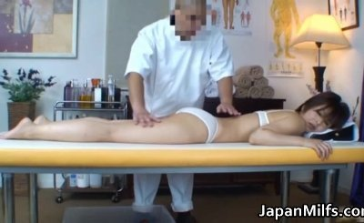 Real real asian housewife has massage part1
