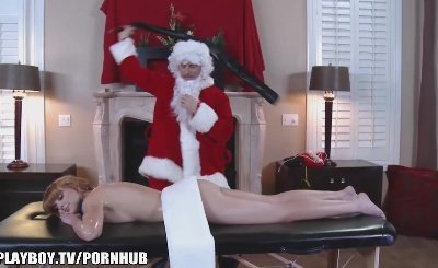 Santa clause is Cumming to town