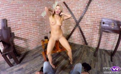 Sporty Lexi Dona hot VR solo pussy masturbation