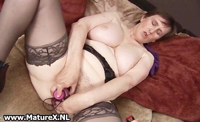 Thick grandma with sexy black stockings part4