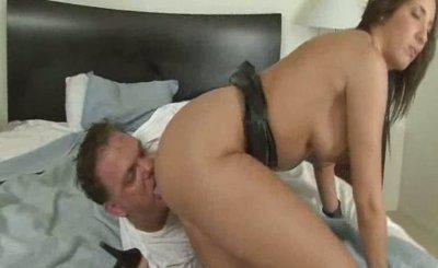 Watch Nude Hot dominatrix facesitting male slave