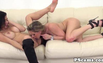 Webcam lesbians Heather Vahn and Rachel Roxxx